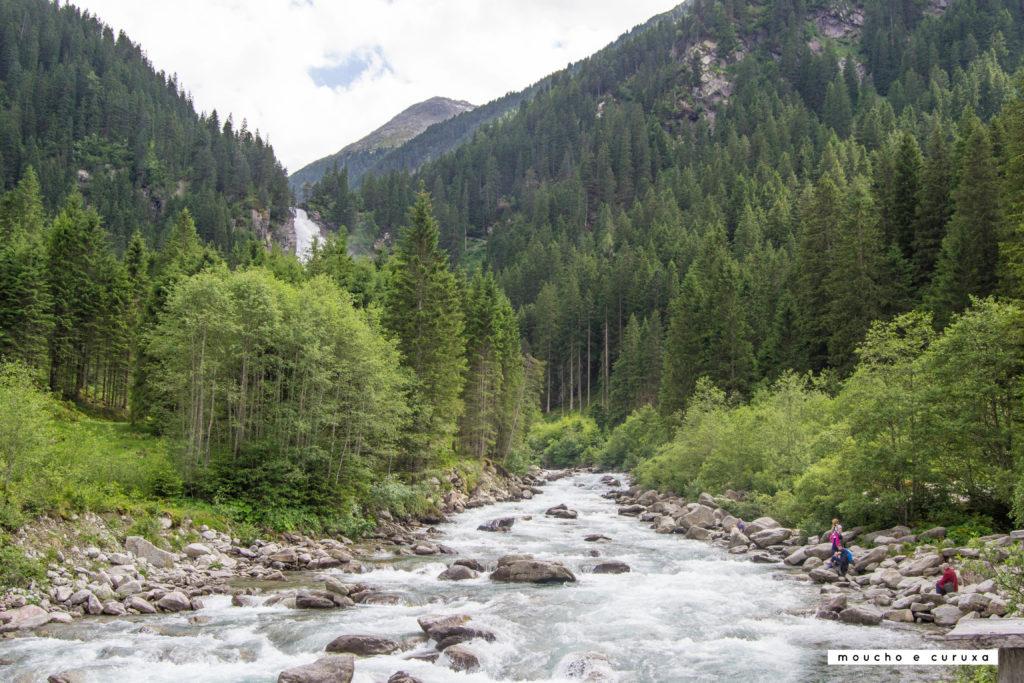 Cataratas Krimml - Llanura entre el nivel superior e intermedio