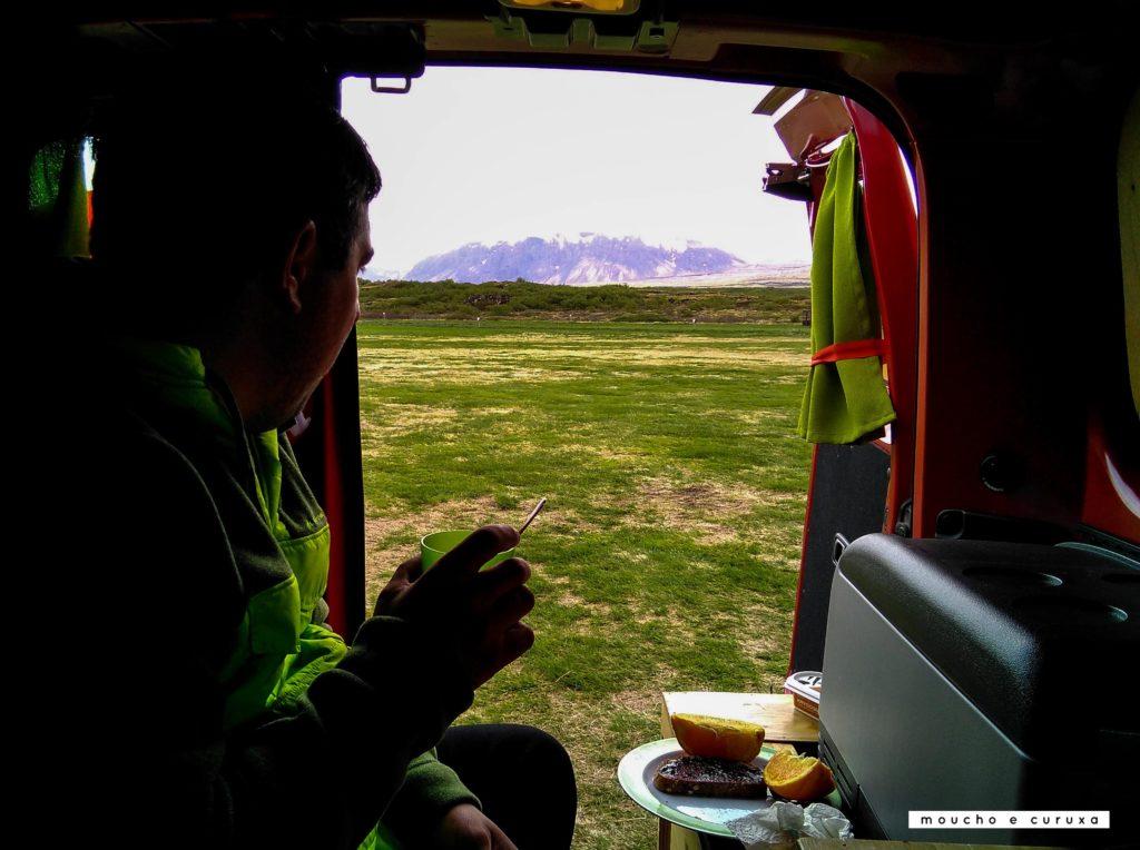 Camping Pingvellir - Círculo dorado Islandia